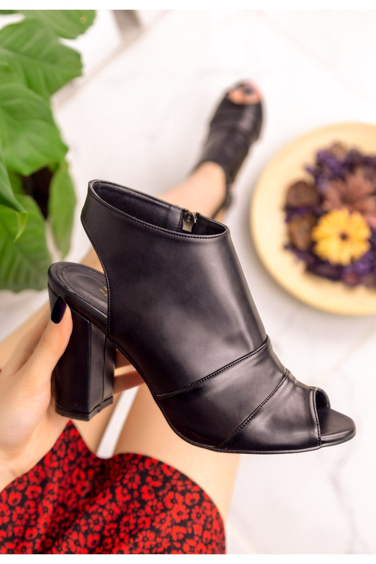 Dolly Siyah Cilt Topuklu Ayakkabı