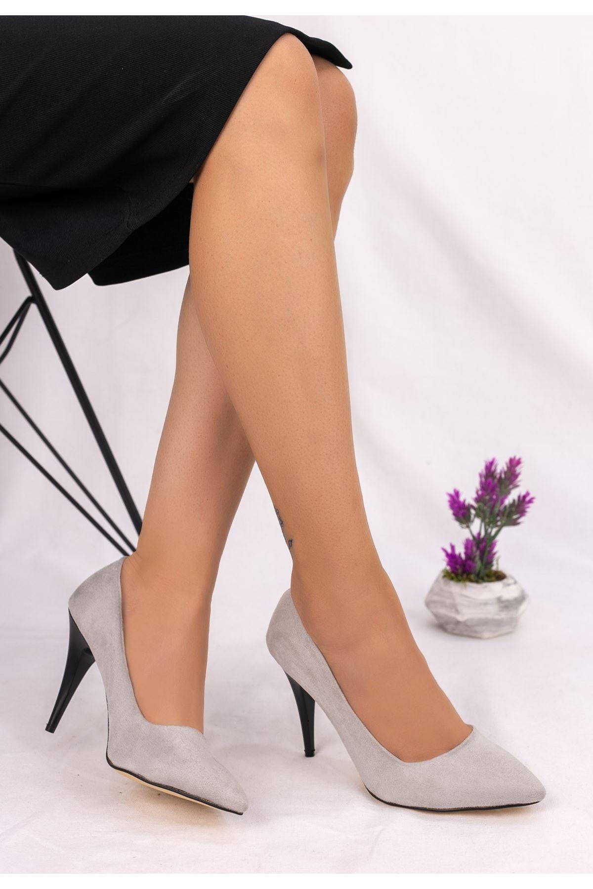 Revaxi Gri Süet Stiletto Ayakkabı