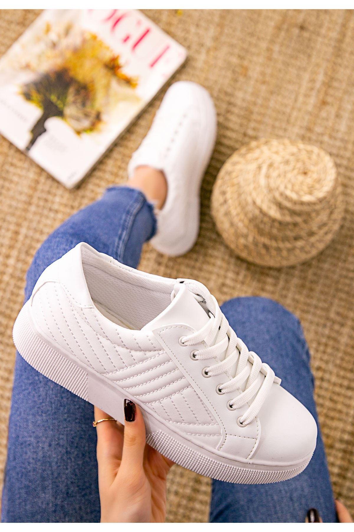 Vika Beyaz Cilt Bağcıklı Spor Ayakkabı
