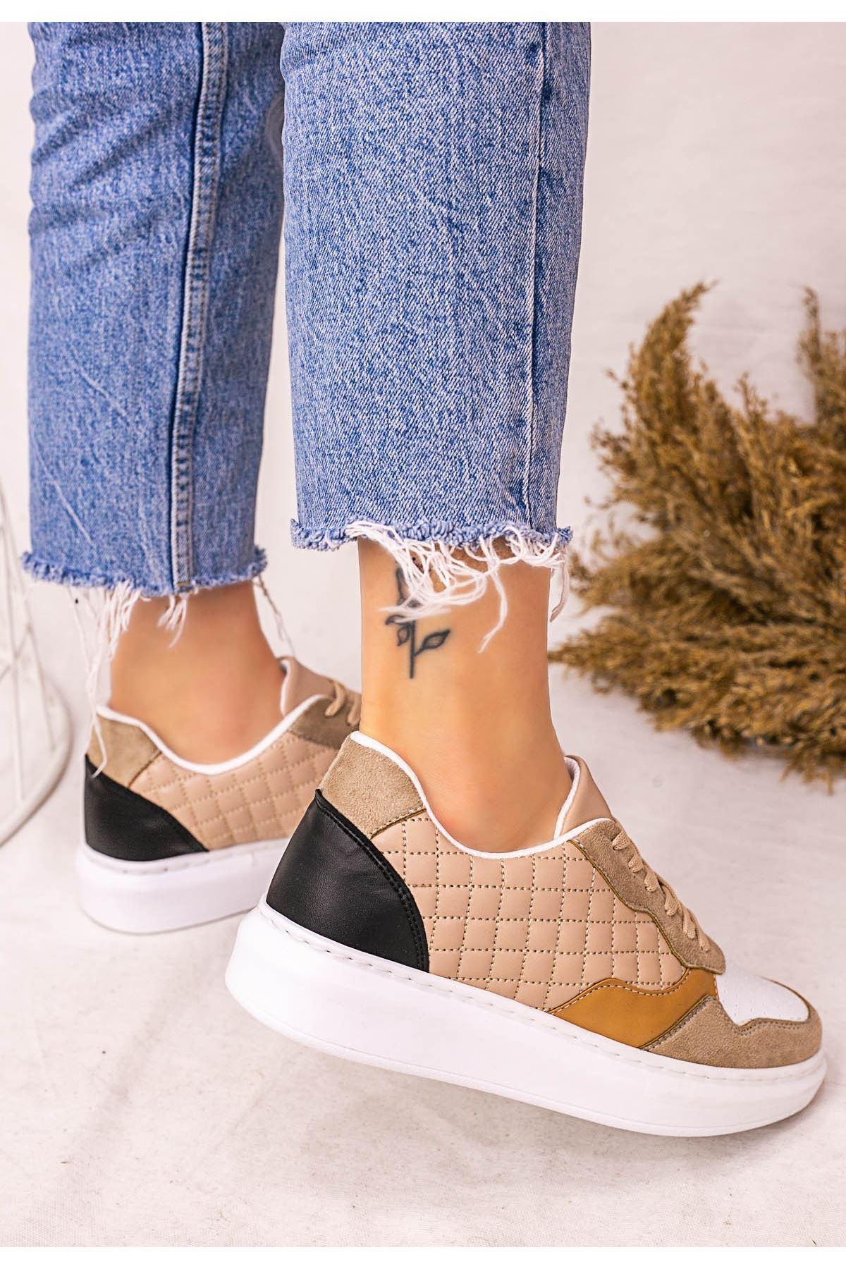 Lari Krem Cilt Beyaz Detaylı Bağcıklı Spor Ayakkabı