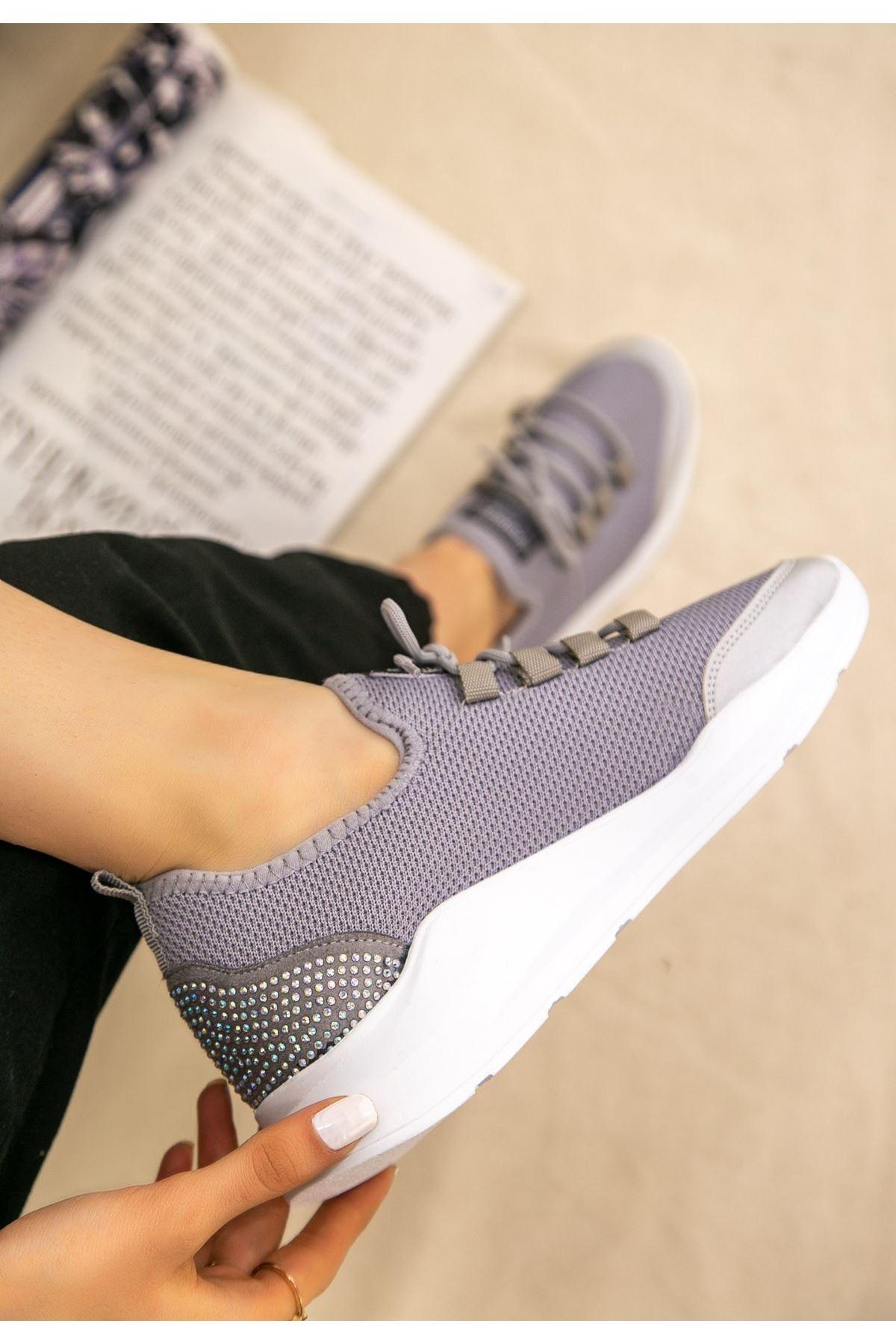 Voxi Gri Bağcıklı Spor Ayakkabı