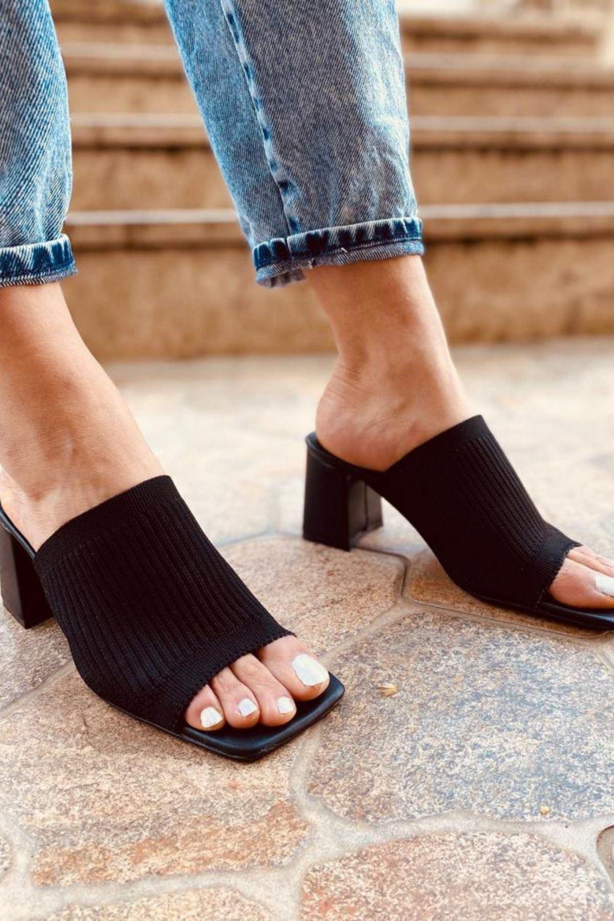 Kenzi Siyah Triko Bantlı Topuklu Terlik