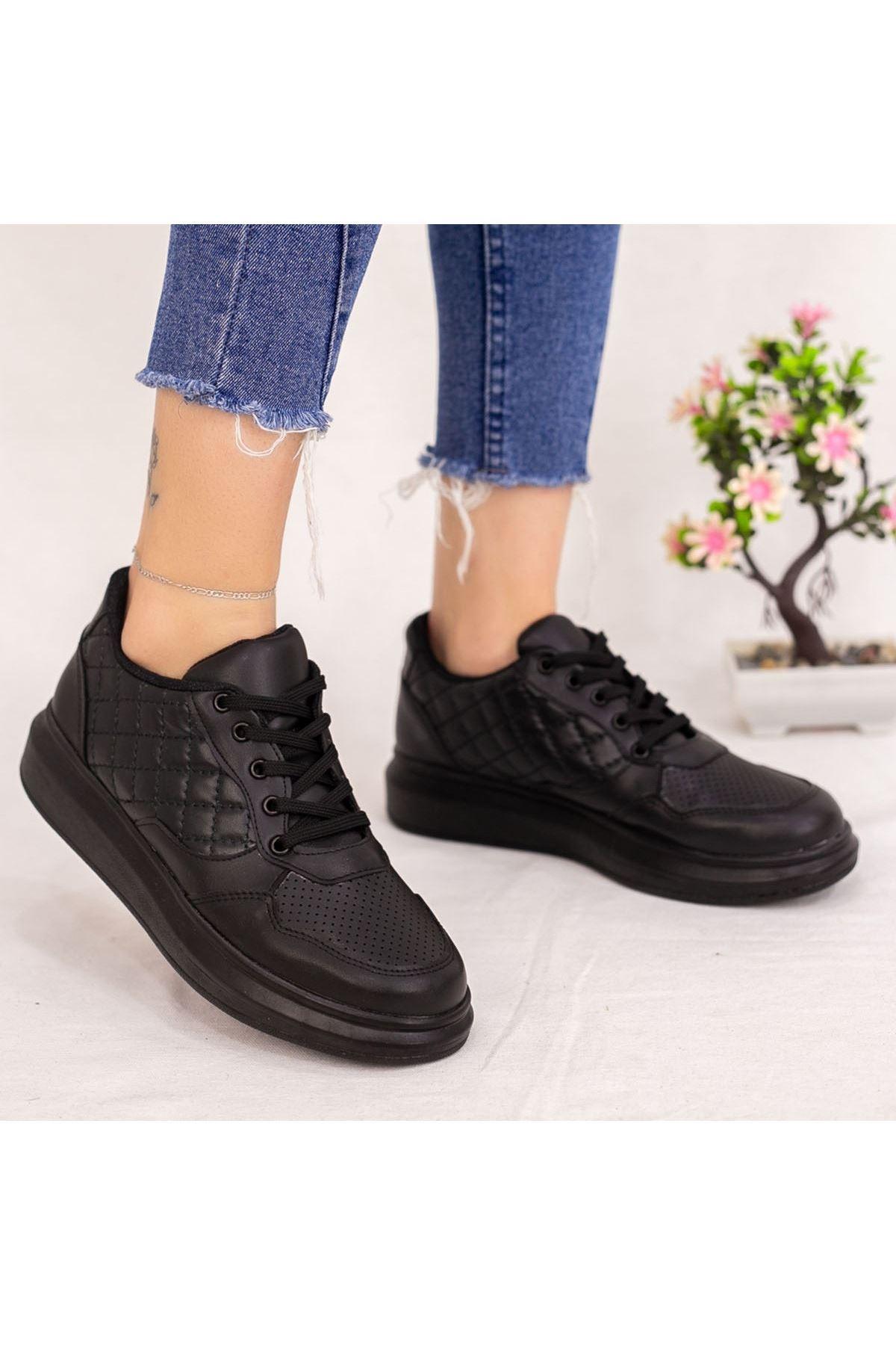 Lari Siyah Cilt Bağcıklı Spor Ayakkabı