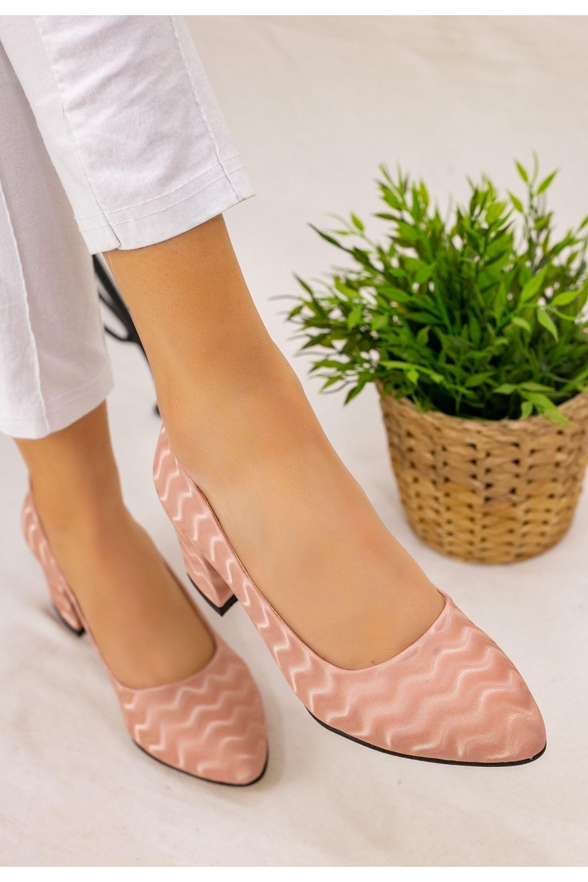 Ziori Pudra Süet Desenli Topuklu Ayakkabı