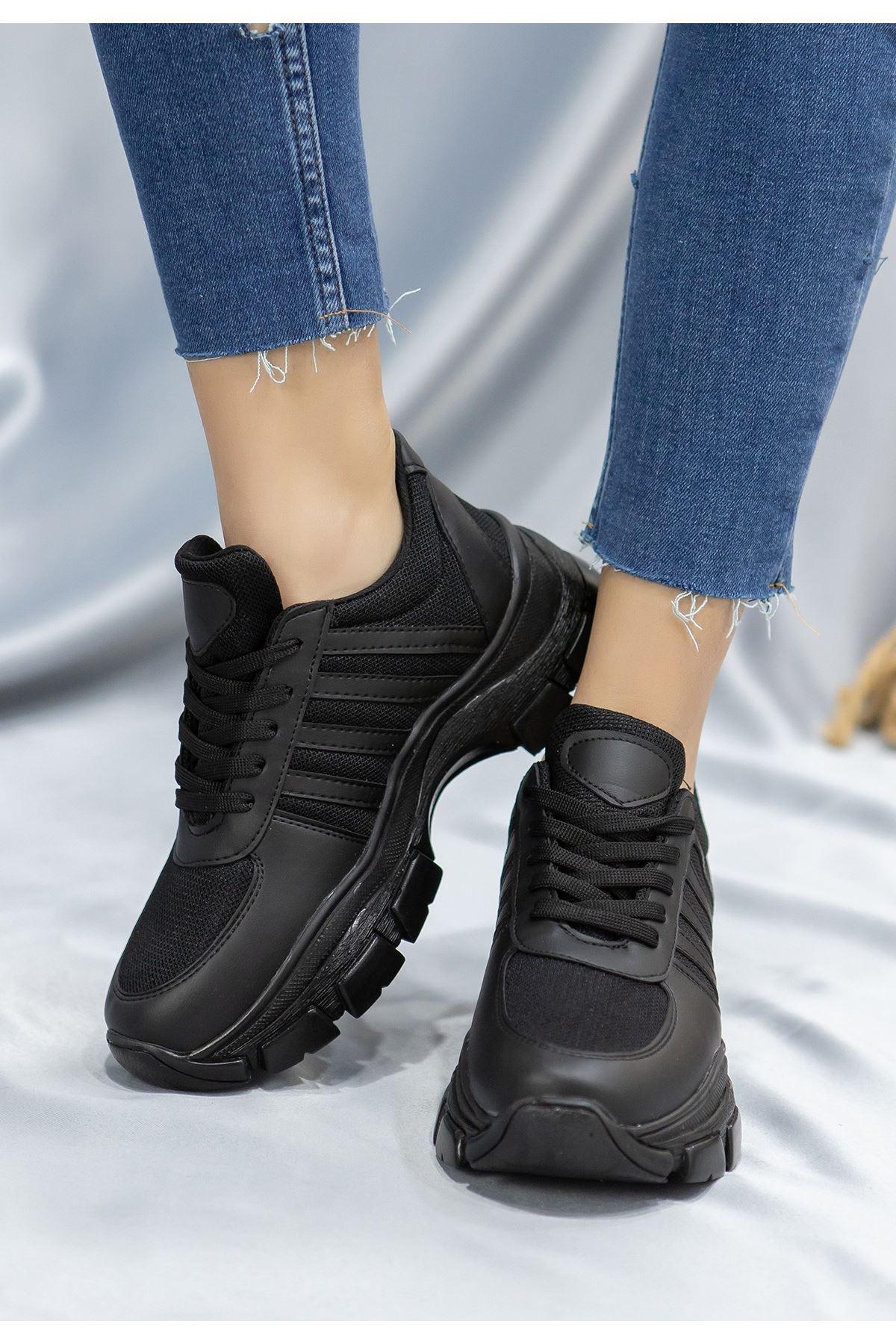 Feci Siyah Cilt Bağcıklı Spor Ayakkabı