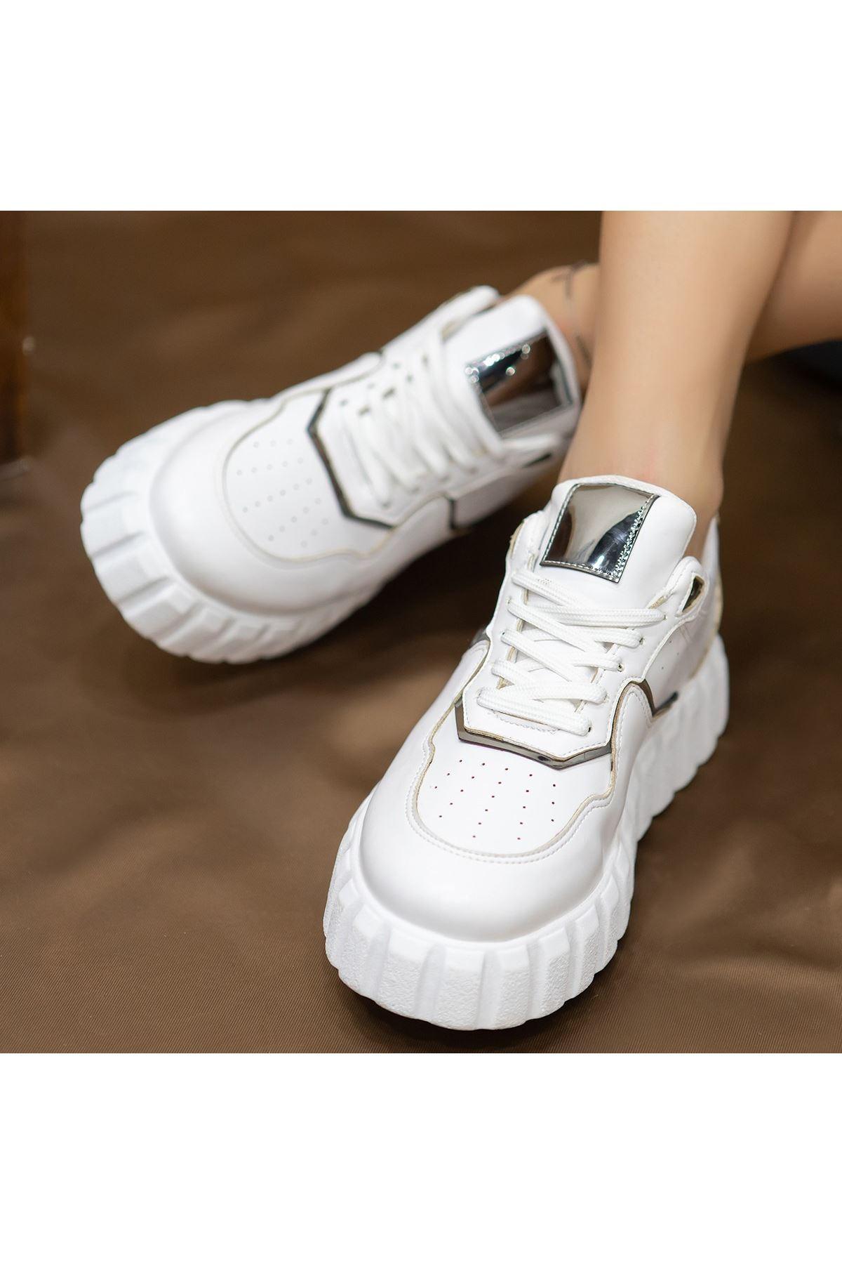 Oris Beyaz Cilt Bağcıklı Spor Ayakkabı