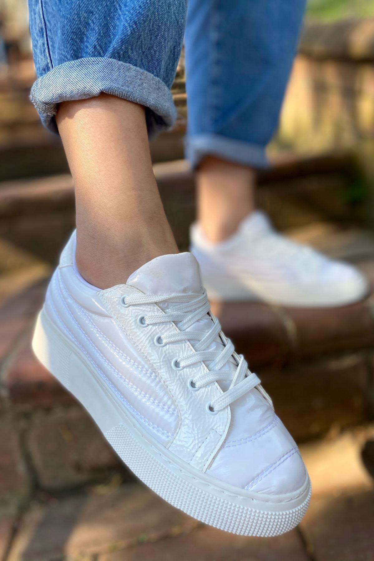 Zendo Beyaz Paraşüt Kapitone Sneaker