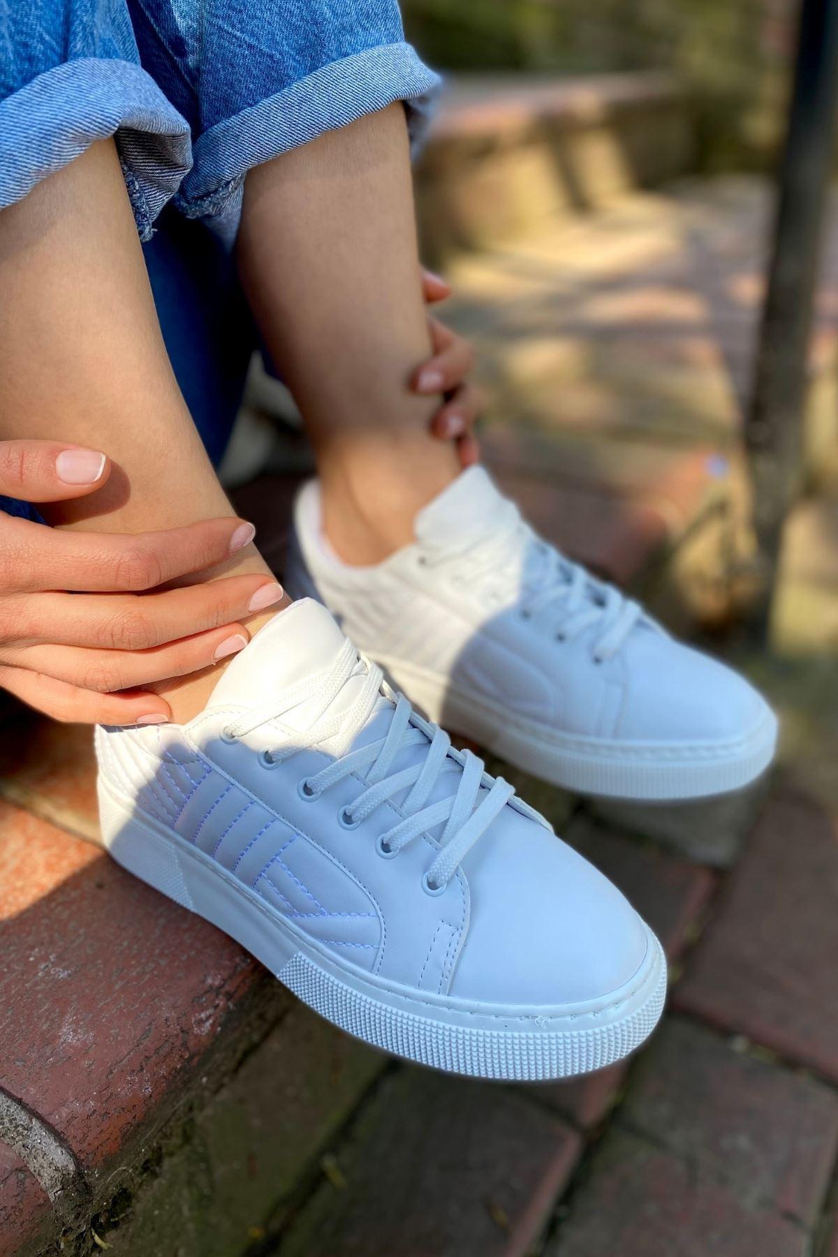 Forte Beyaz Cilt Kapitone Sneaker