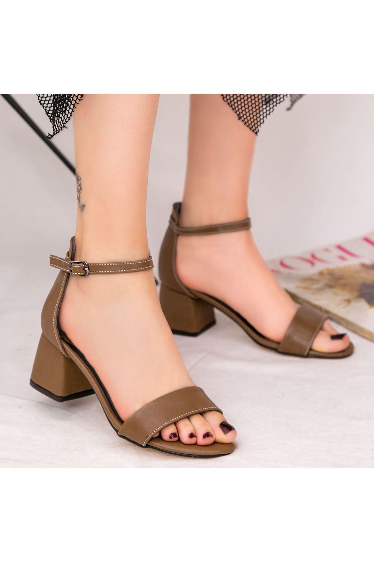 Epon Koyu Vizon Cilt Tek Bant Topuklu Ayakkabı
