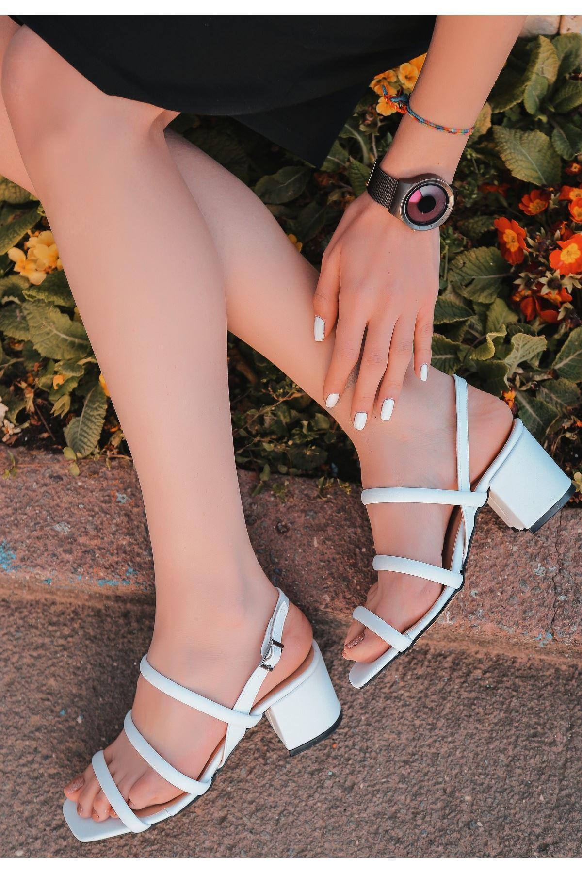 Yate Beyaz Cilt Topuklu Ayakkabı