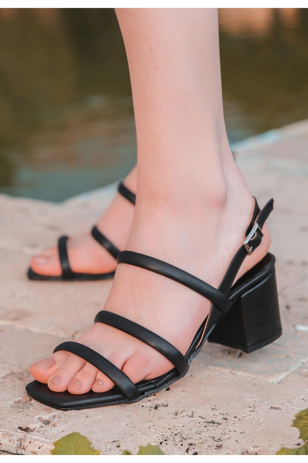 Yate Siyah Cilt Topuklu Ayakkabı