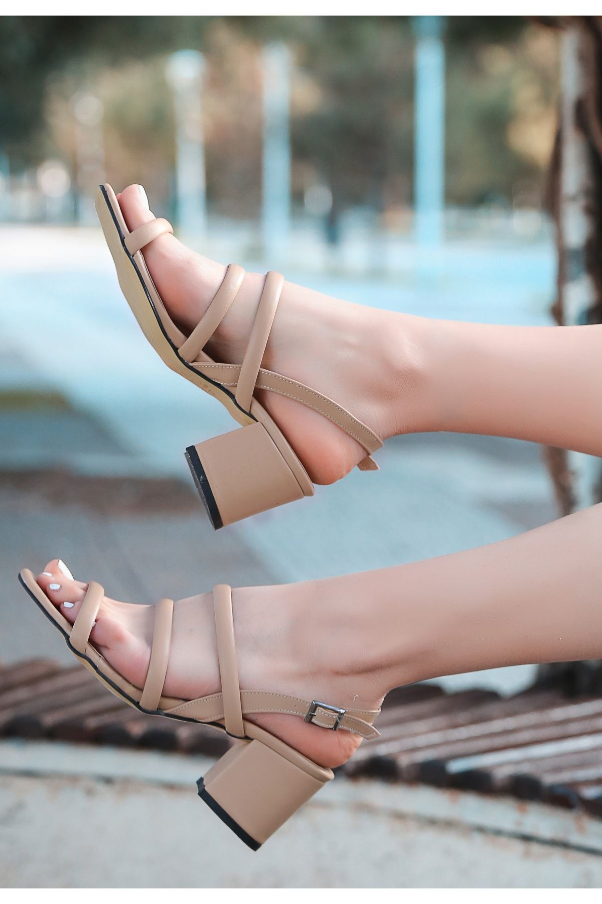 Yate Vizon Cilt Topuklu Ayakkabı