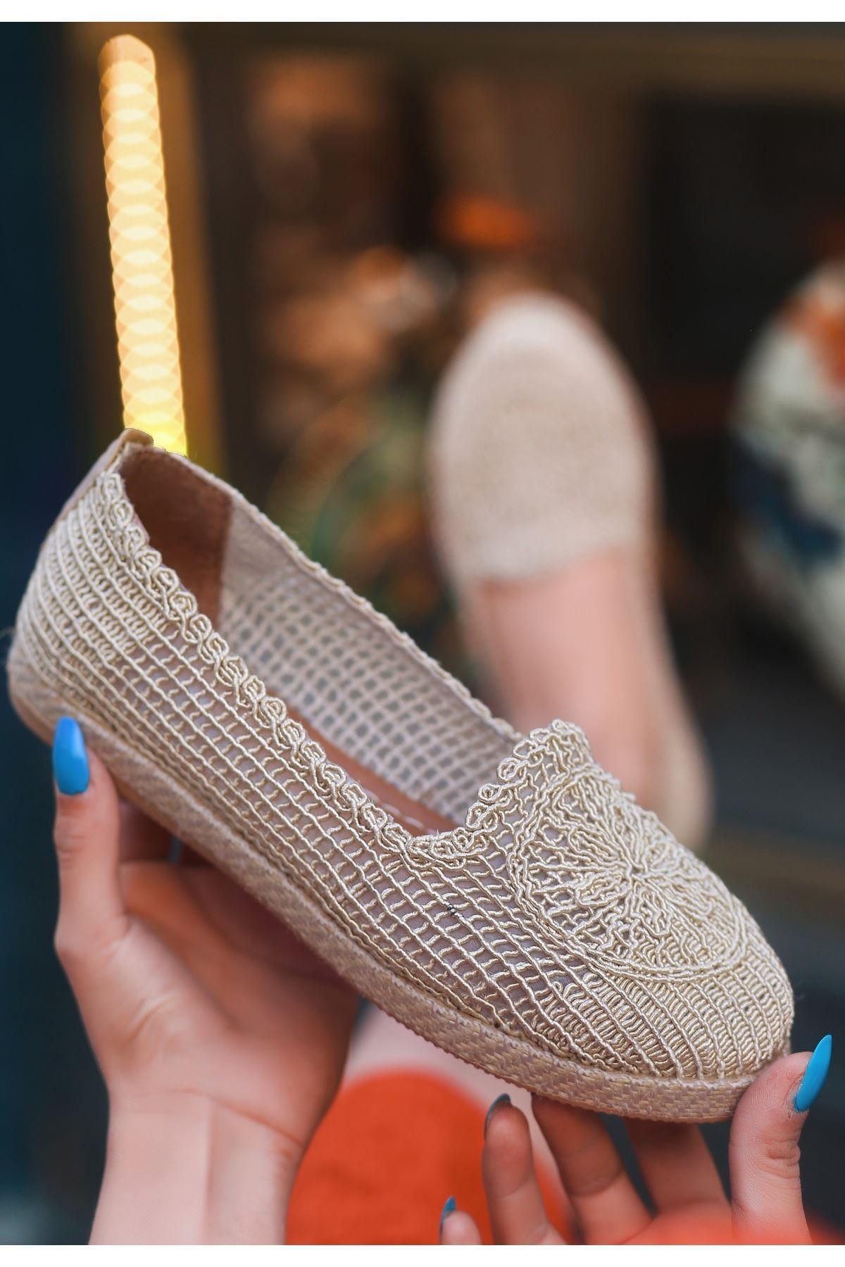 Evic Krem Örgülü Babet Ayakkabı