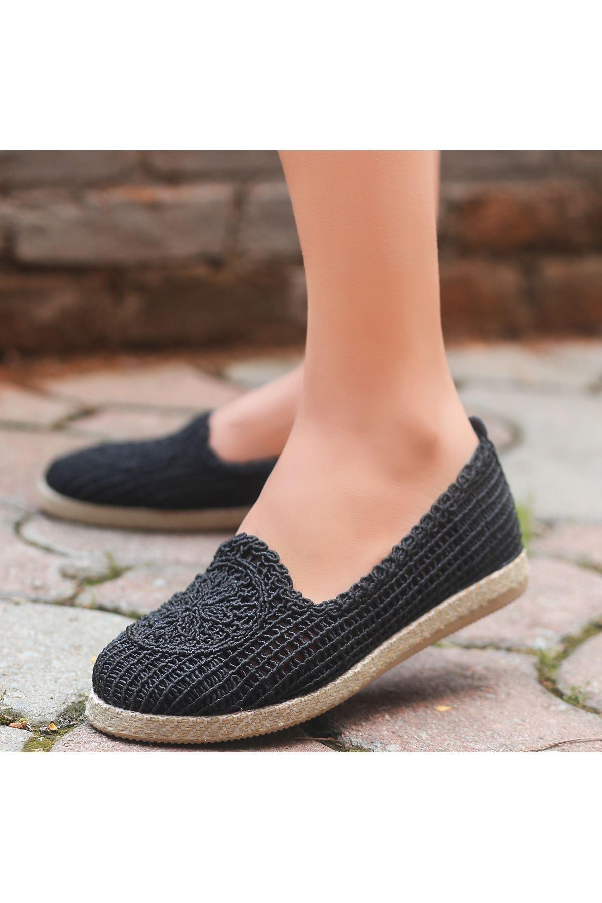 Evic Siyah Örgülü Babet Ayakkabı