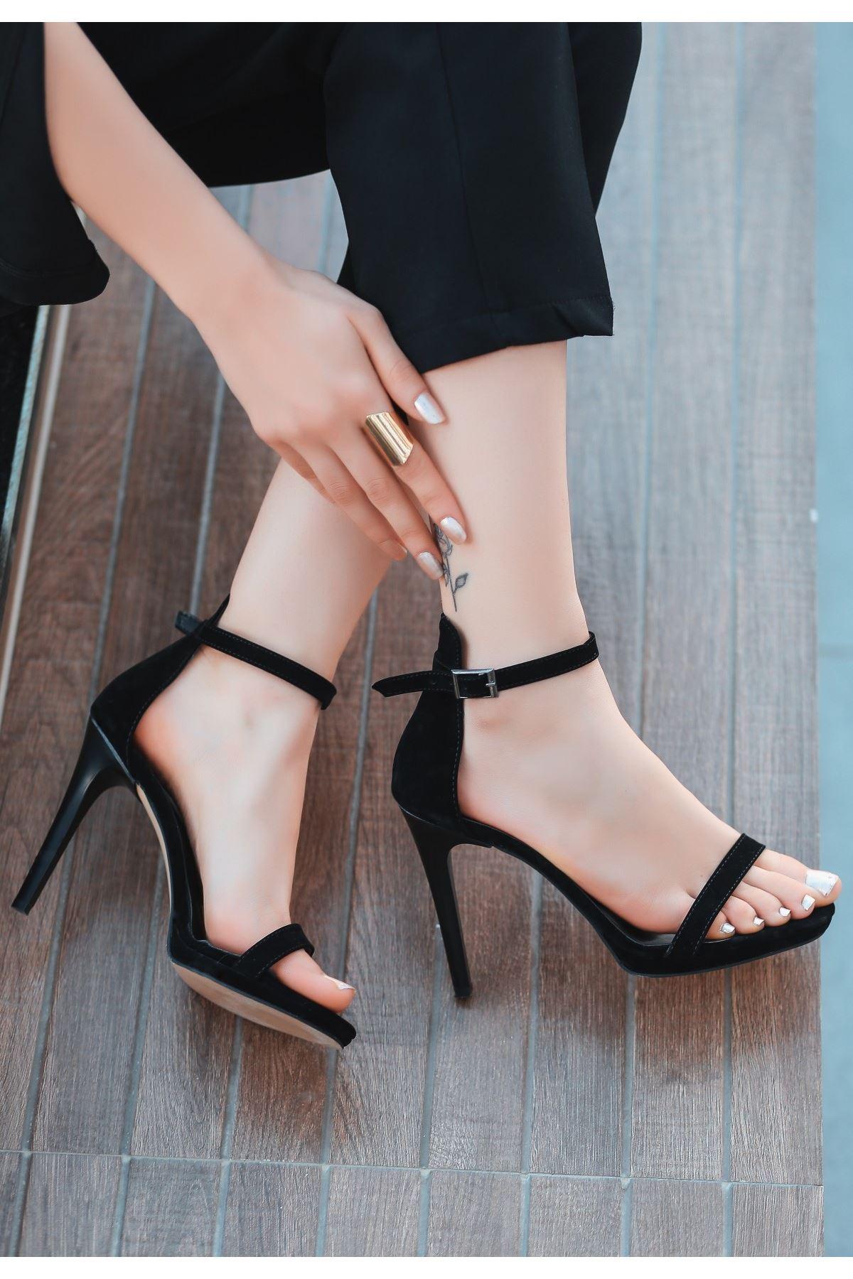 Eica Siyah Süet Topuklu Ayakkabı