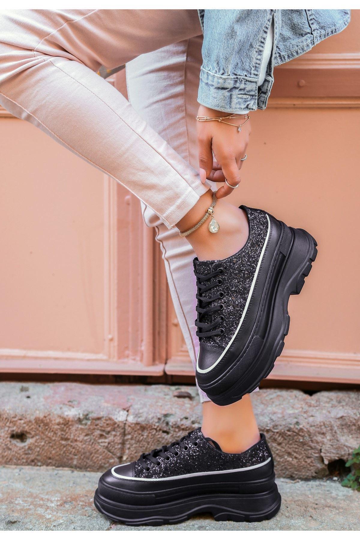 Bery Siyah Cilt Simli Bağcıklı Spor Ayakkabı