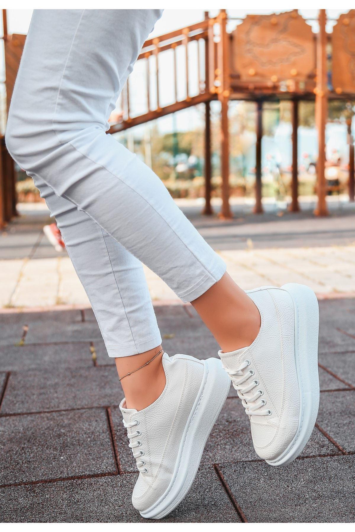 Voni Beyaz Rugan Desenli Spor Ayakkabı