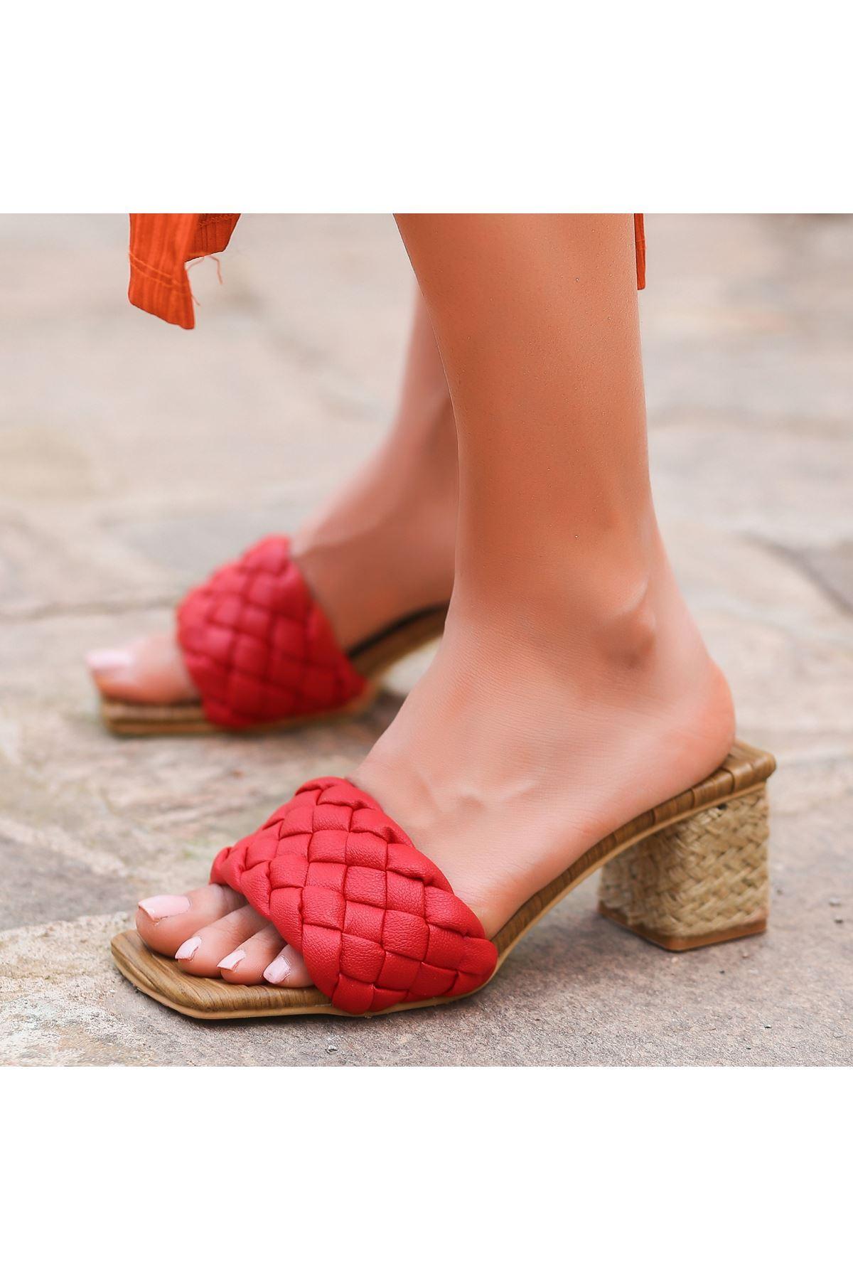 Dong Kırmızı Cilt Topuklu Terlik