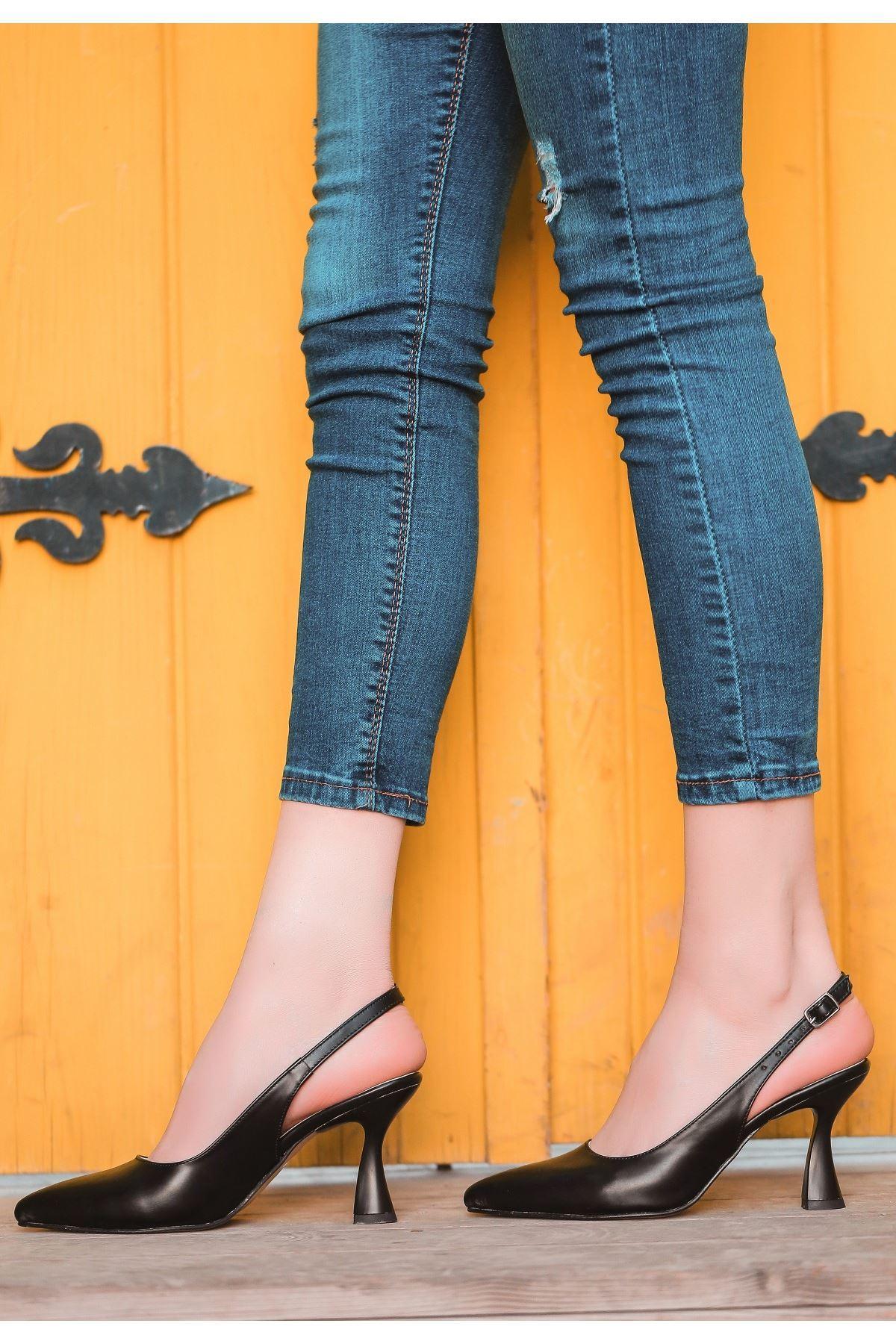 Onno Siyah Cilt Topuklu Ayakkabı
