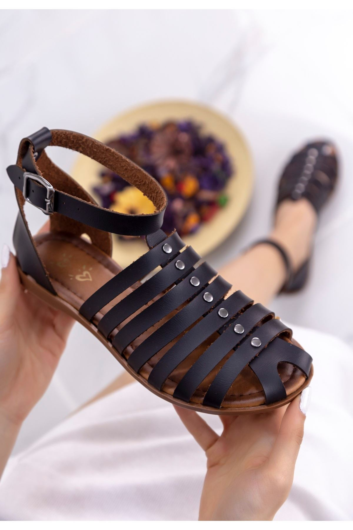 Bess Siyah Kemerli Sandalet