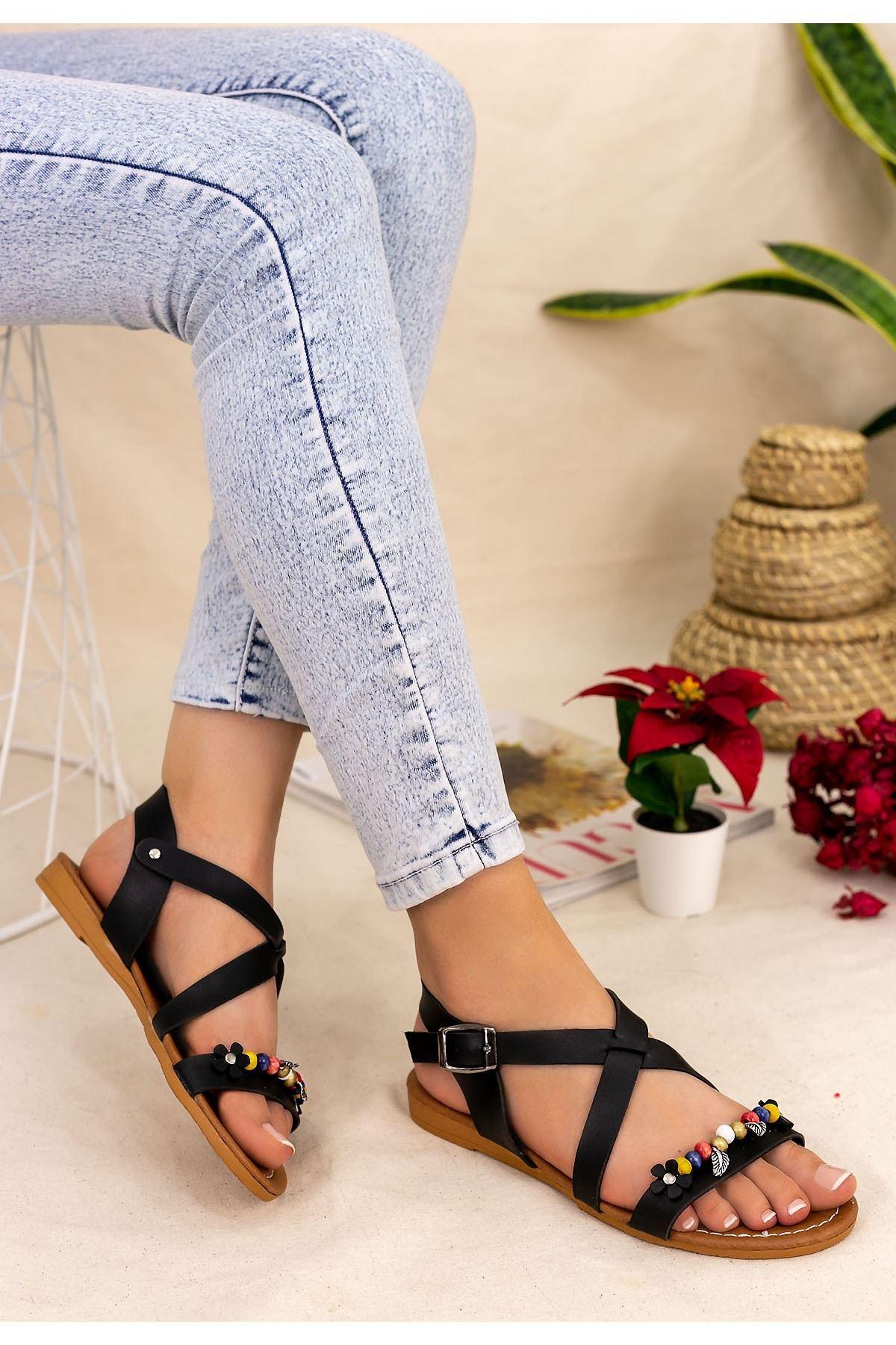 Bette Siyah Boncuklu Sandalet