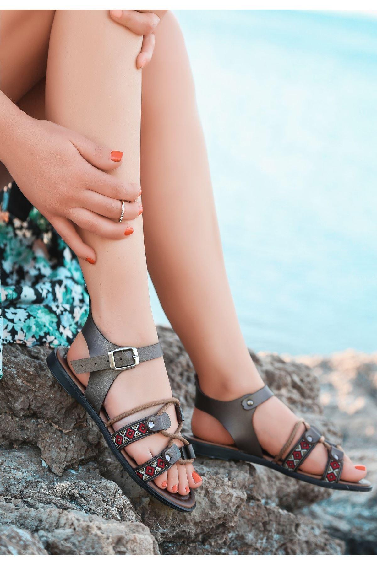 Jonx Platin Cilt Sandalet