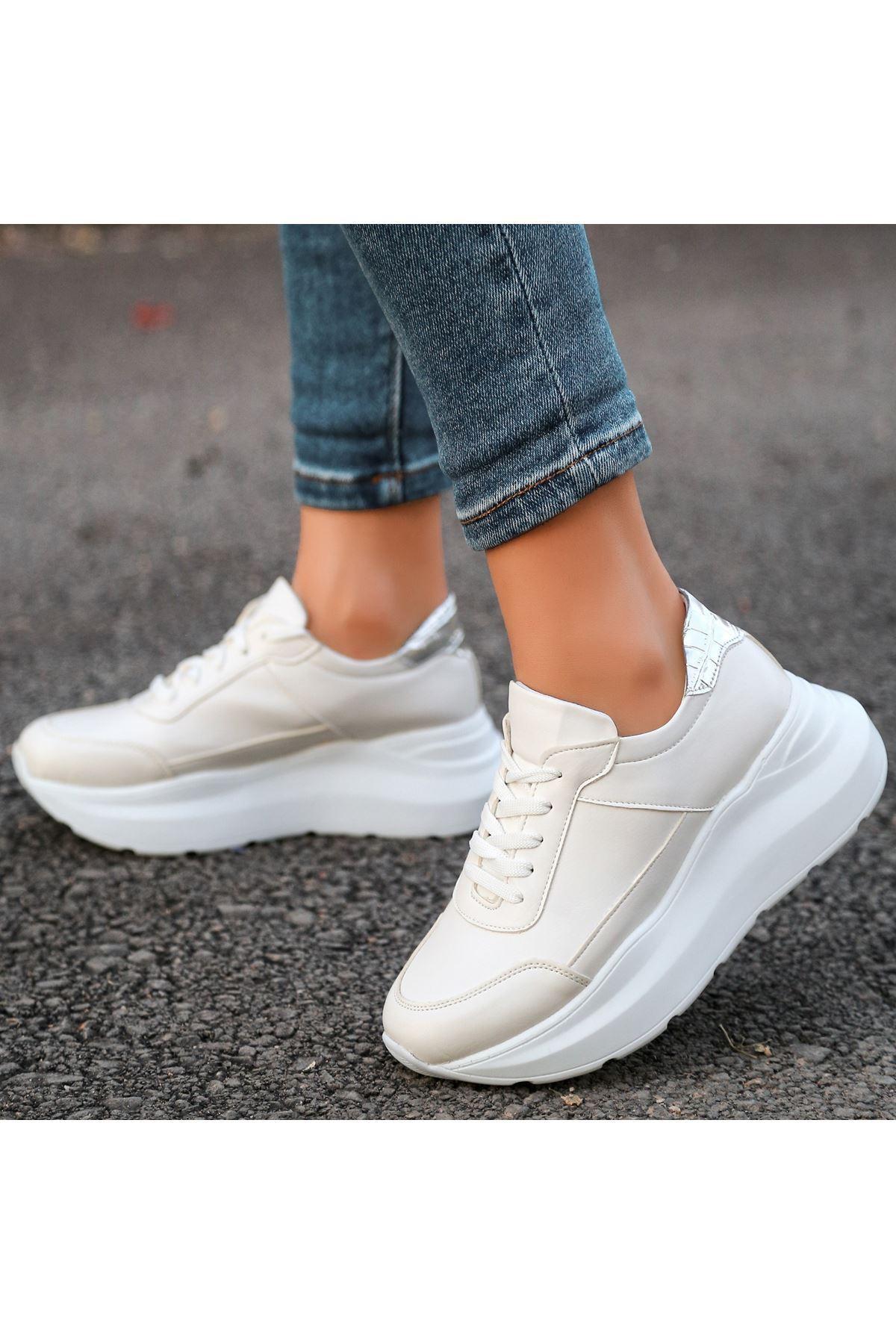 Toin Krem Cilt Gümüş Rugan Detaylı Spor Ayakkabı