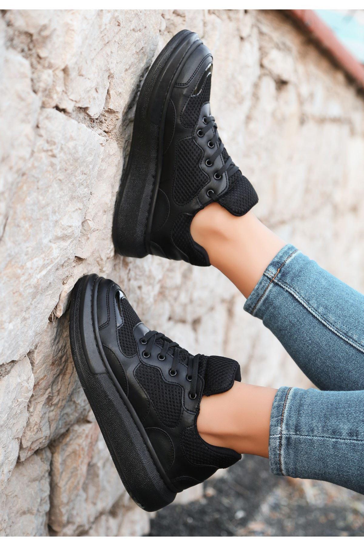 Voni Siyah Cilt Fileli Rugan Detaylı Spor Ayakkabı