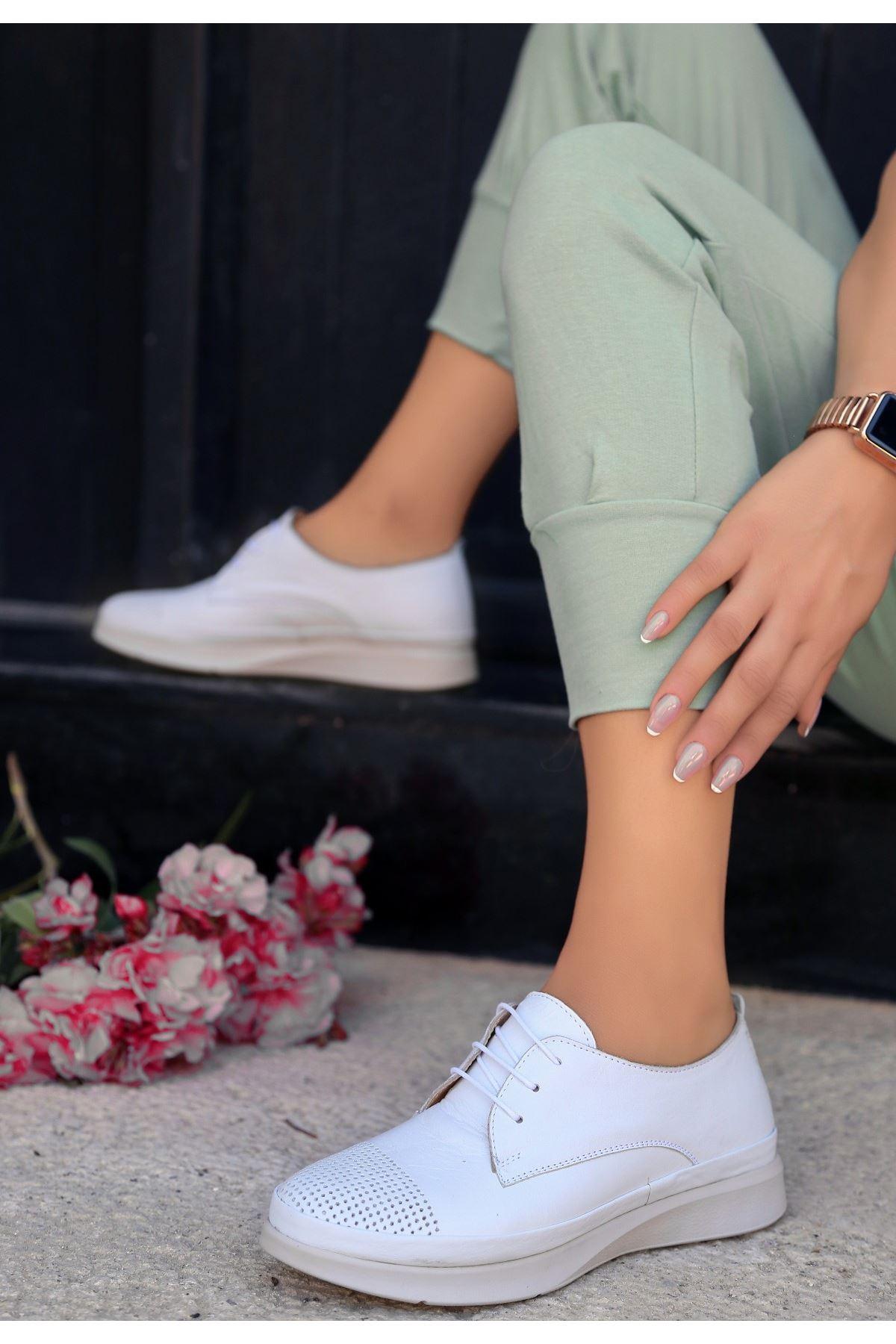 Ries Beyaz Deri Bağcıklı Babet Ayakkabı