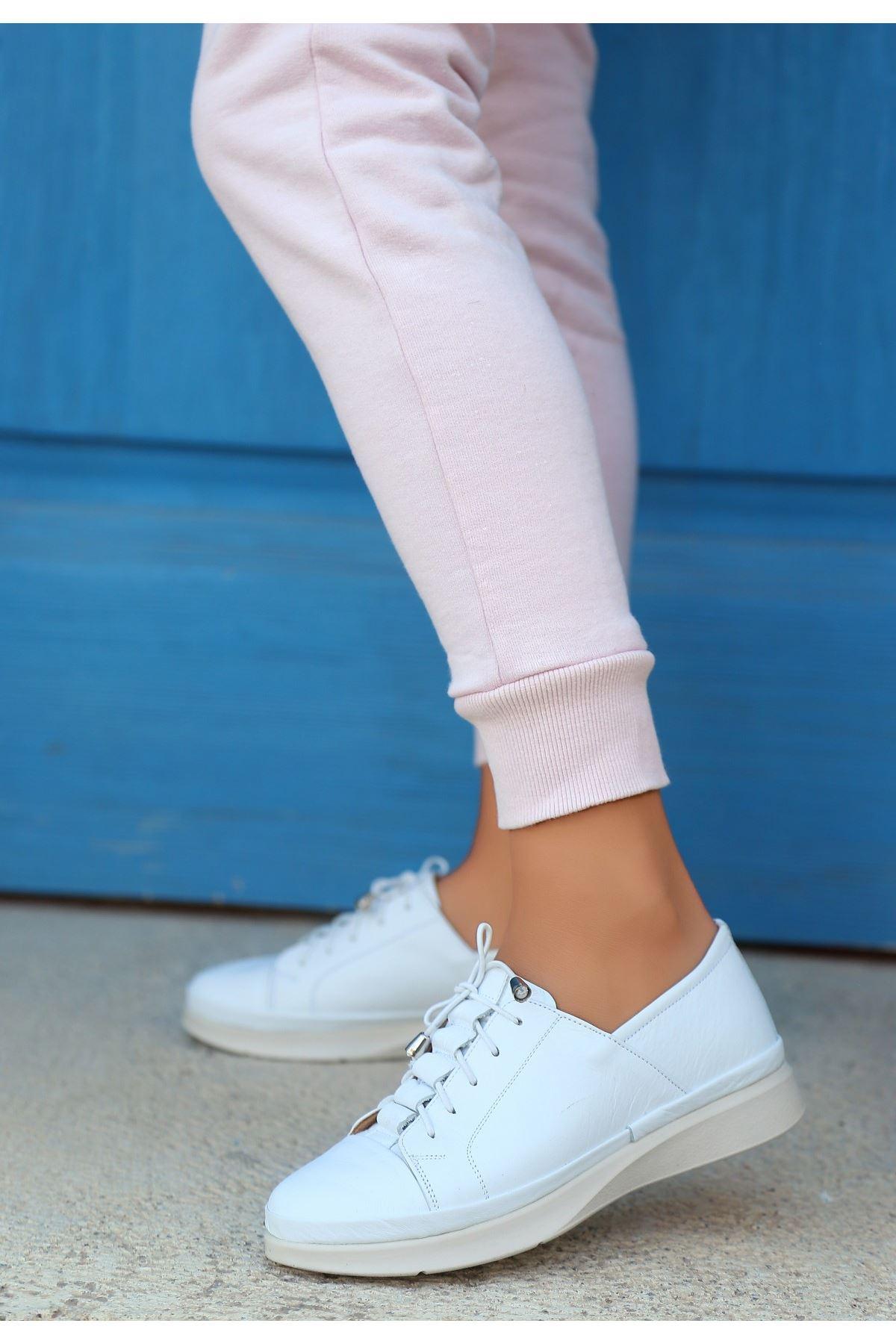 Clore Beyaz Deri Bağcıklı Ayakkabı