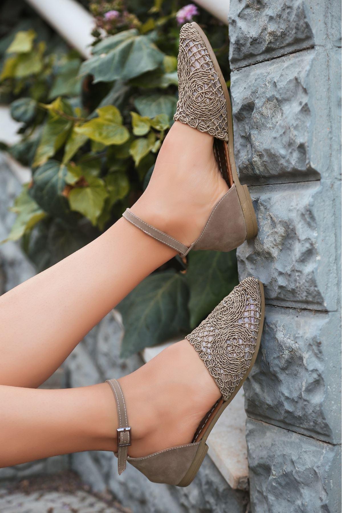 Acir Vizon Örgülü Sandalet