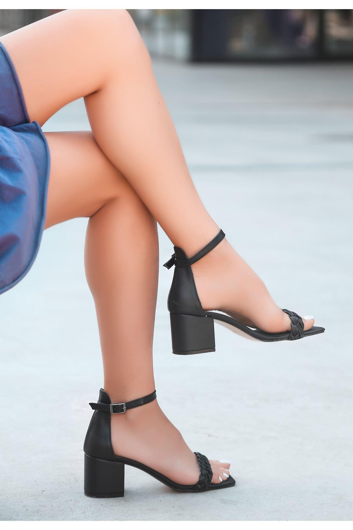 Jinda Siyah Cilt Topuklu Ayakkabı