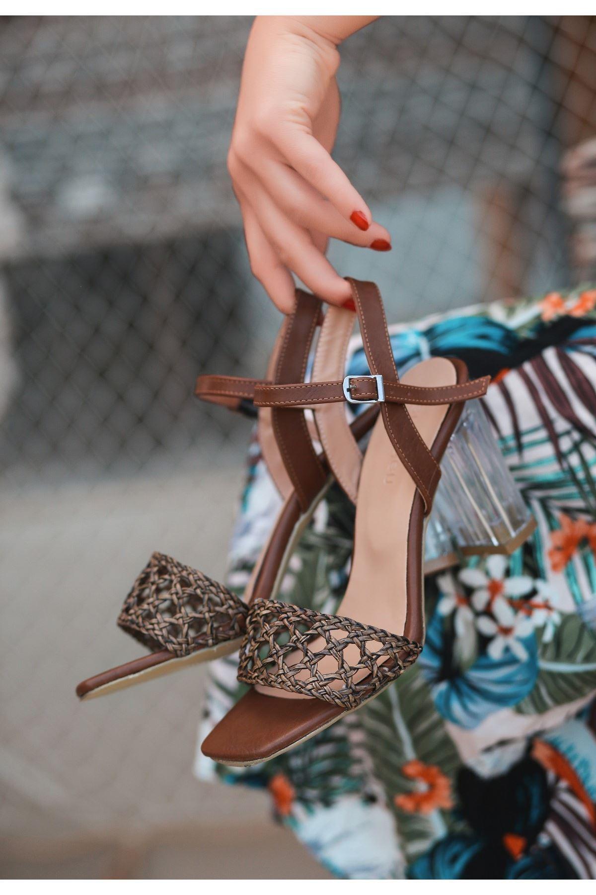 Lory Kahverengi Cilt Örgülü Topuklu Ayakkabı