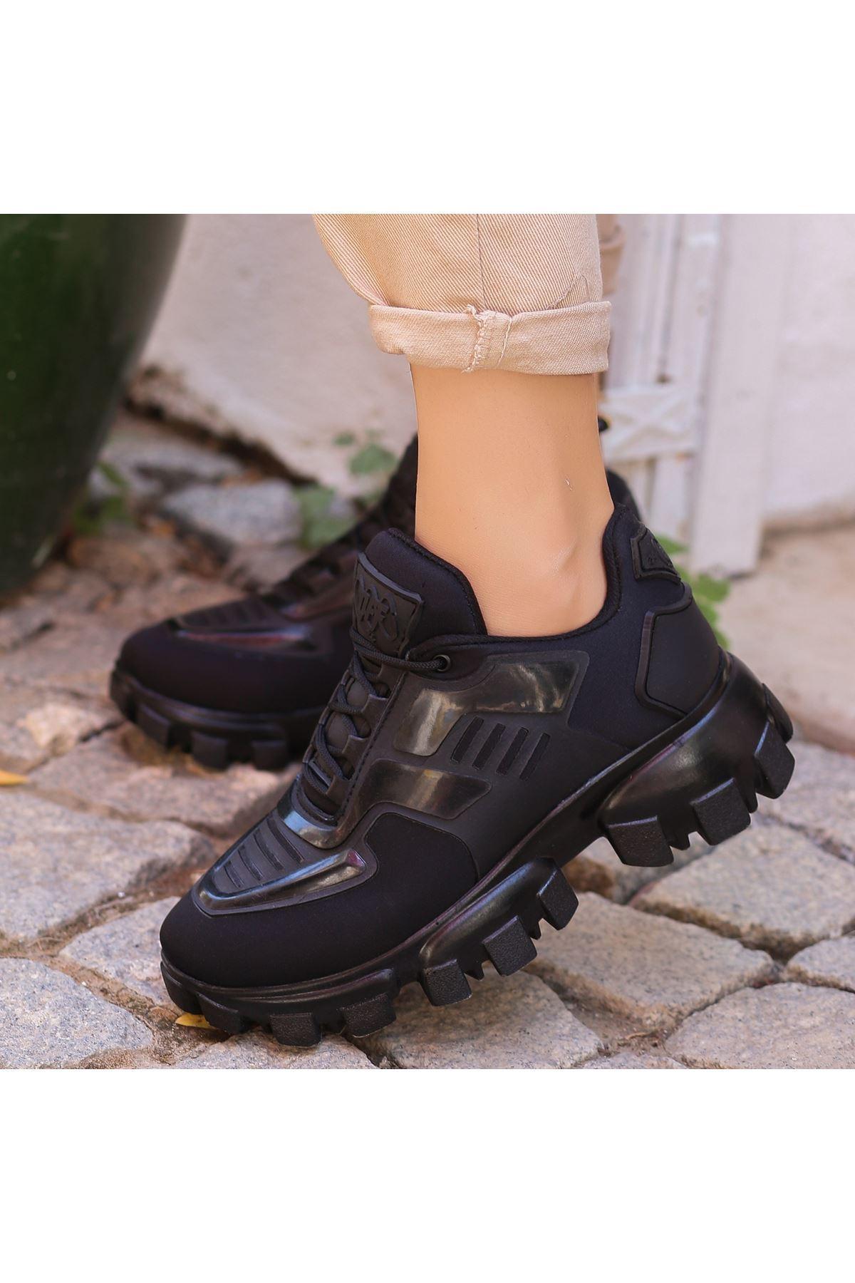 Moris Siyah Bağcıklı Spor Ayakkabı