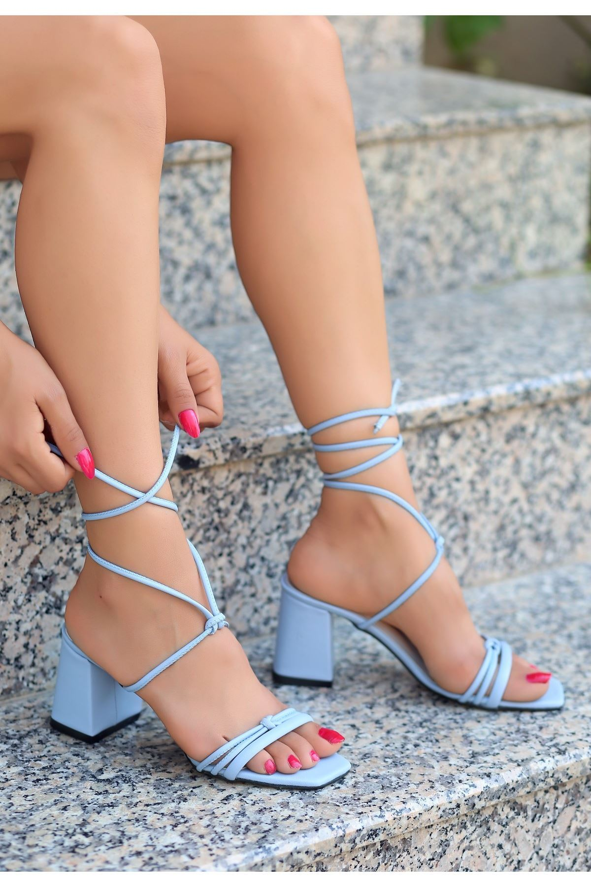 Jost Bebe Mavisi Cilt Topuklu Ayakkabı