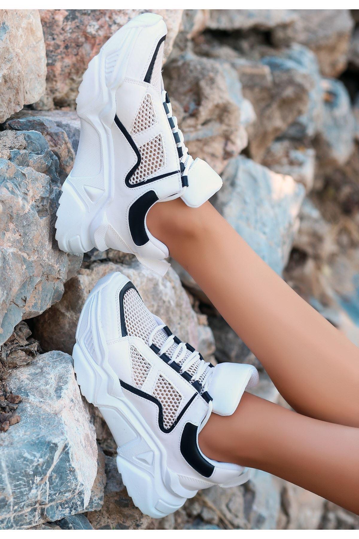 Meya Beyaz Cilt Siyah Detaylı Spor Ayakkabı