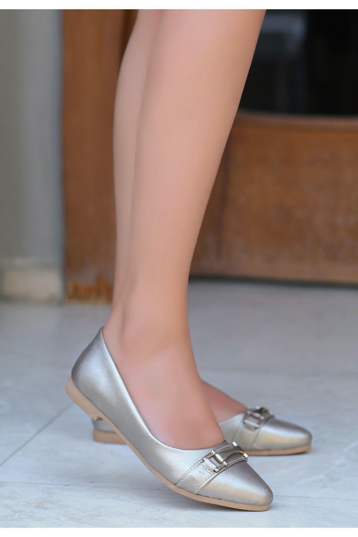 Lorio Platin Cilt Tokalı Babet Ayakkabı