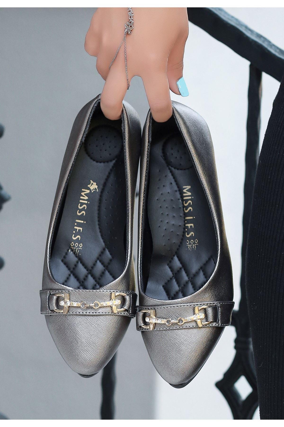 Torio Platin Cilt Tokalı Babet Ayakkabı