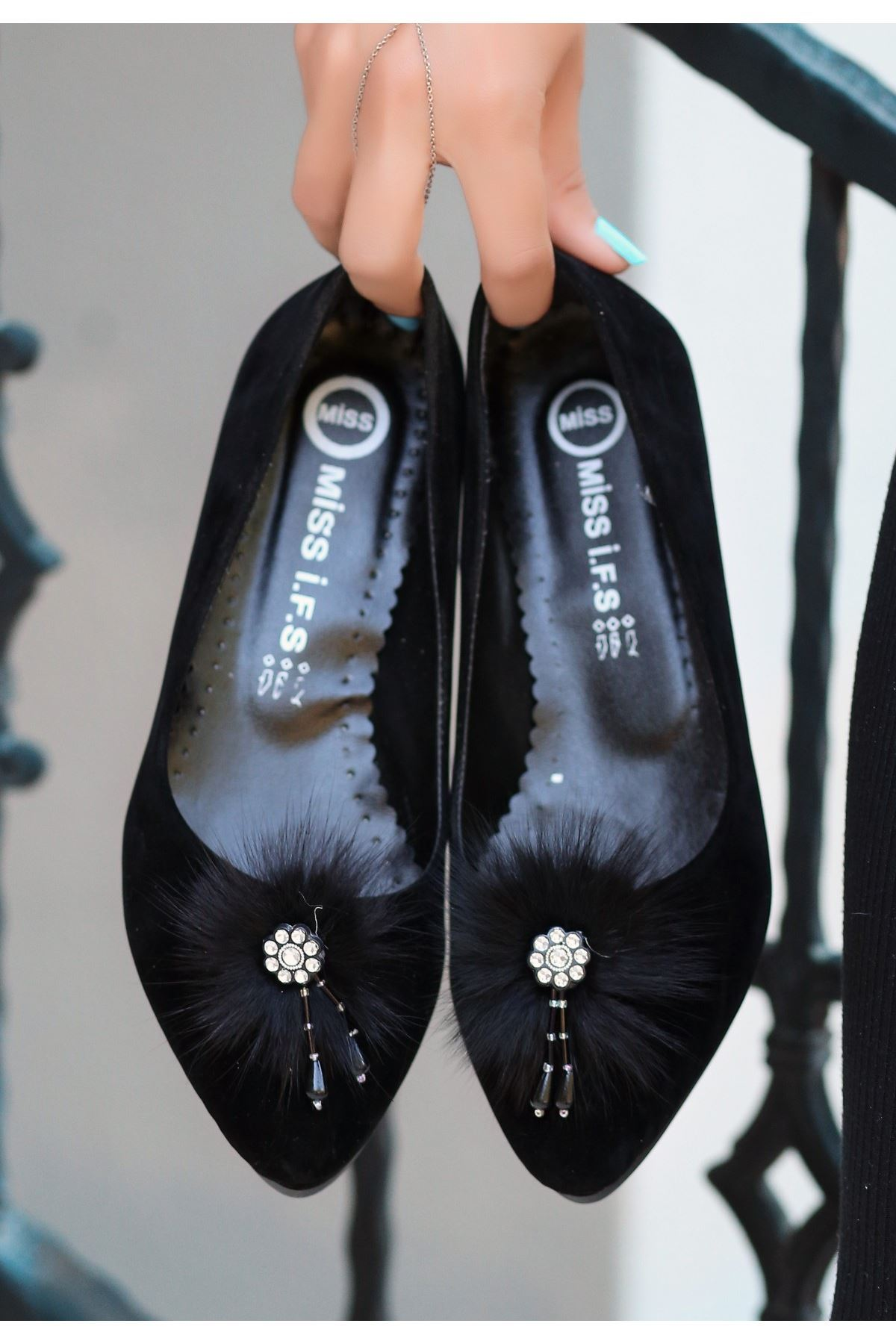 Reiso Siyah Süet Babet Ayakkabı