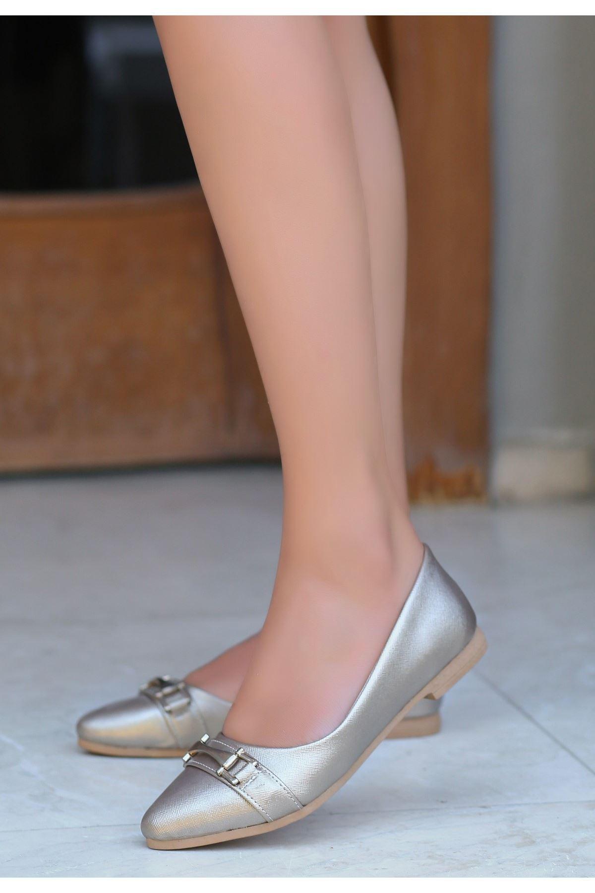 Lorio Gold Cilt Tokalı Babet Ayakkabı