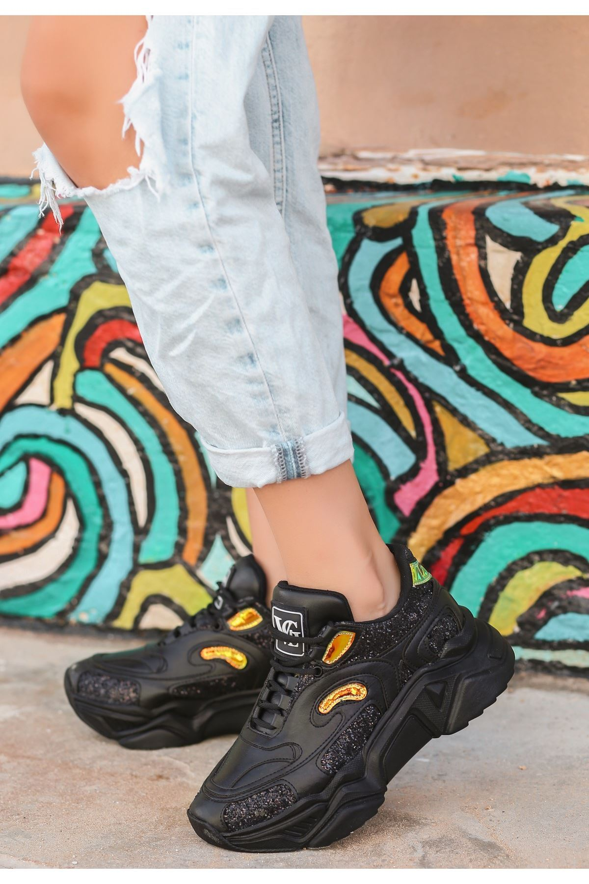 Irta Siyah Cilt Holoğramlı Spor Ayakkabı