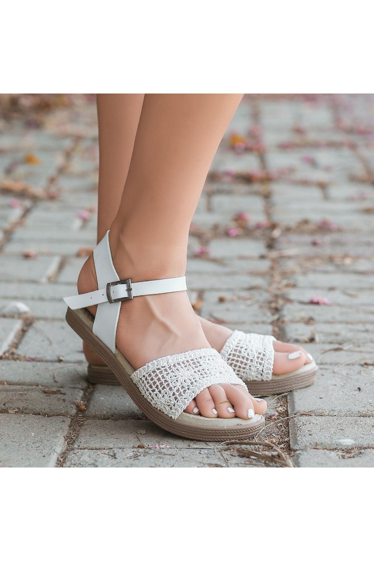 Keha Beyaz Örgülü Sandalet