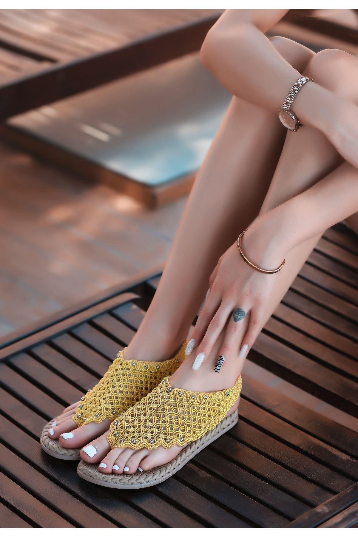 Mipa Sarı Örgülü Sandalet