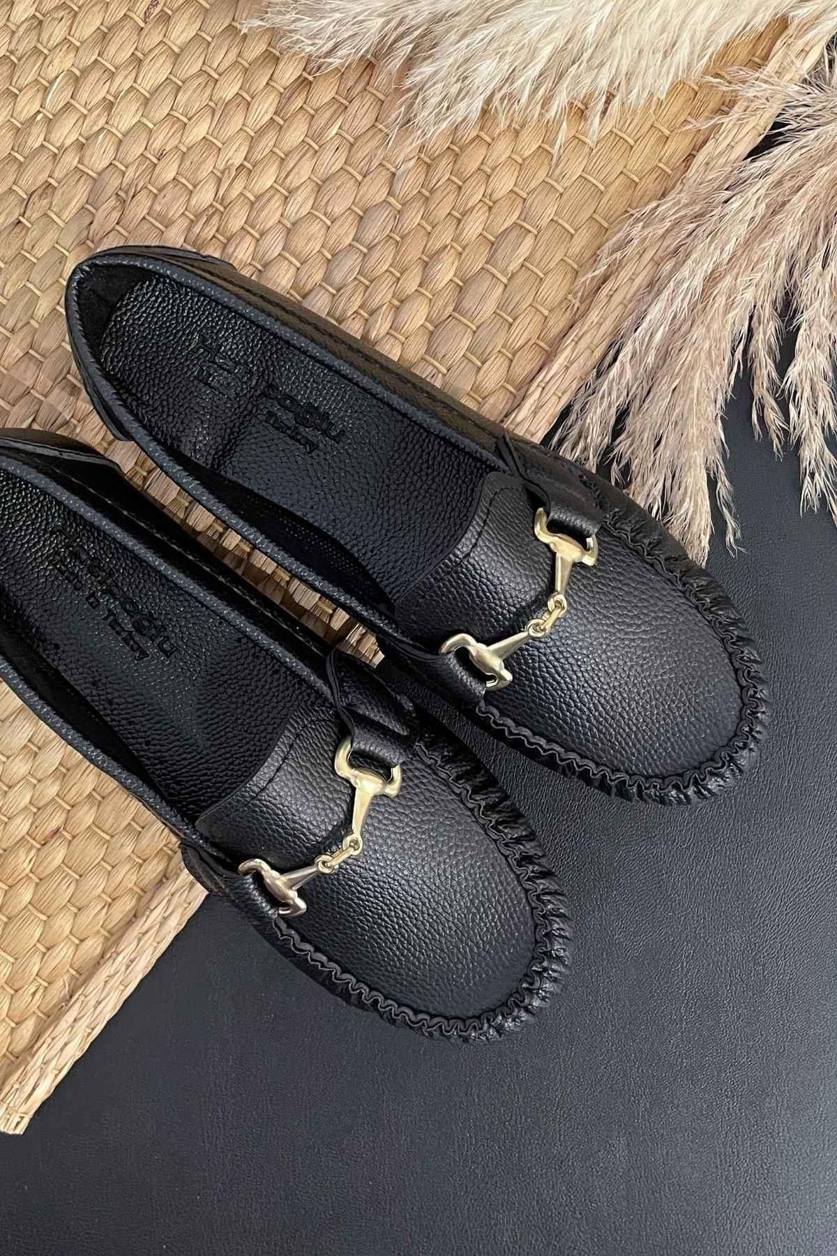 Soho Siyah Deri Tokalı Rok Babet Ayakkabı