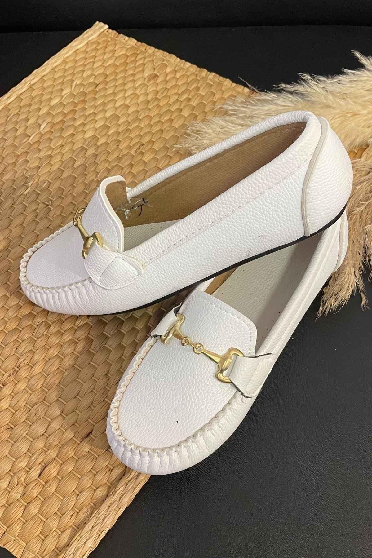 Soho Beyaz Deri Tokalı Rok Babet Ayakkabı