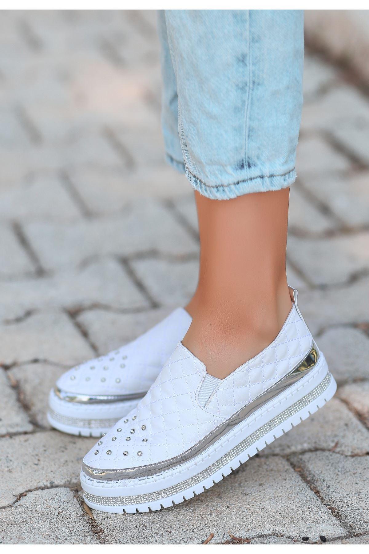 Lais Beyaz Cilt Taşlı Spor Ayakkabı