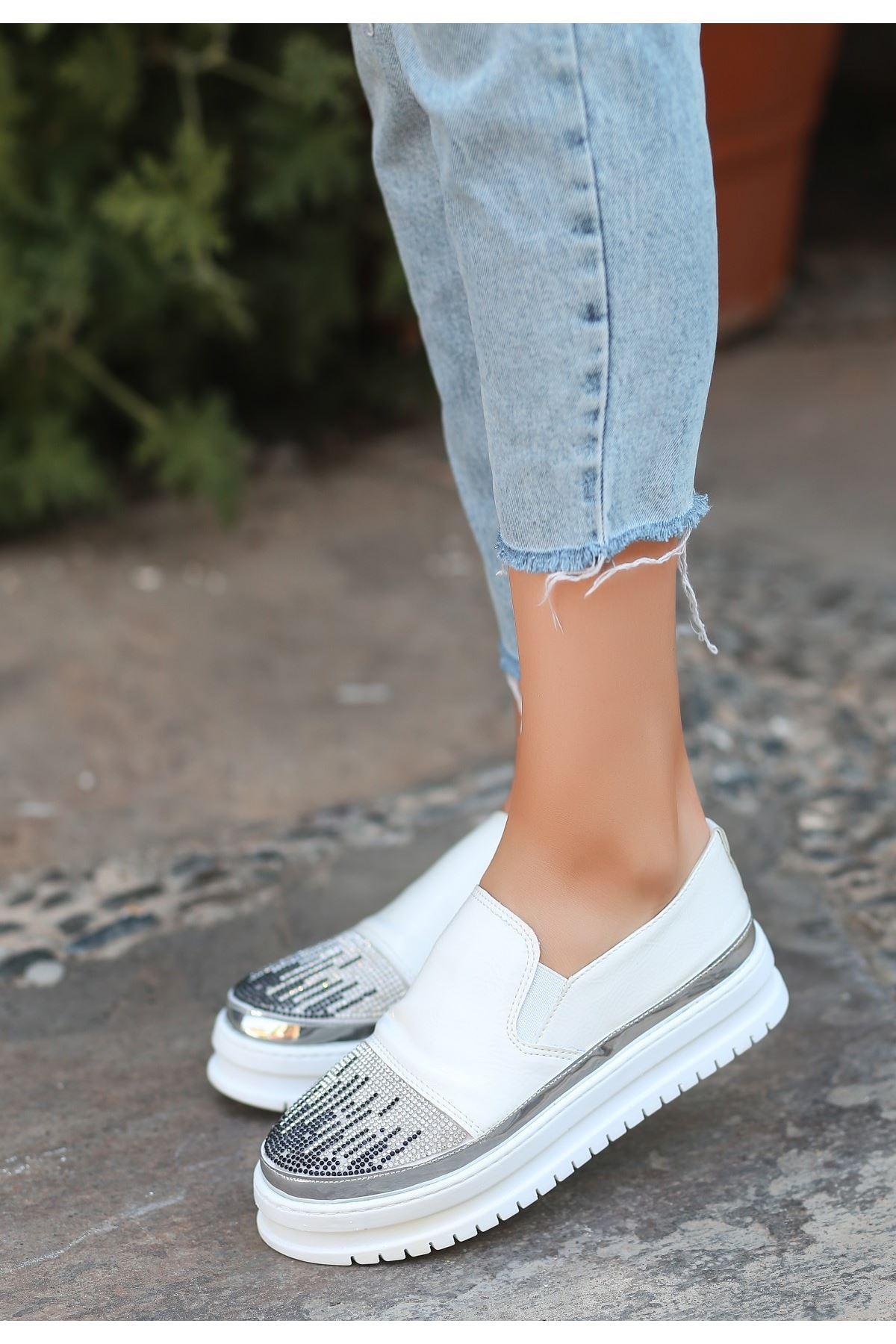 Ovil Beyaz Rugan Taşlı Spor Ayakkabı