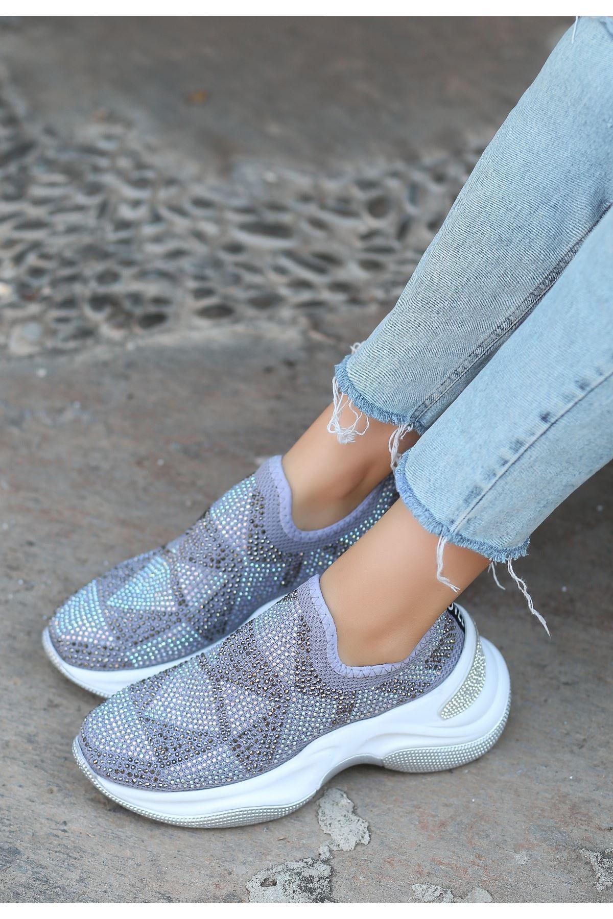 Tins Gri Boncuk İşlemeli Spor Ayakkabı