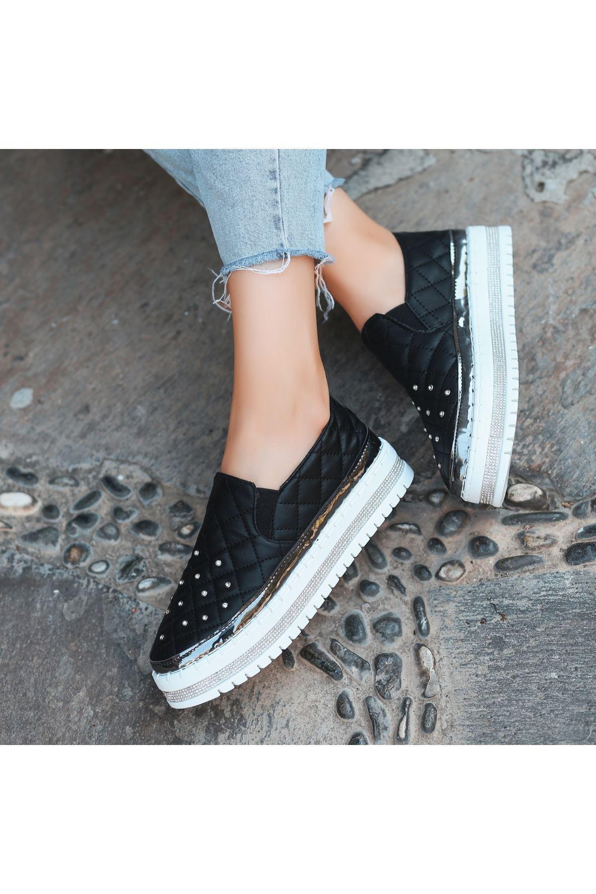 Lais Siyah Cilt Taşlı Spor Ayakkabı