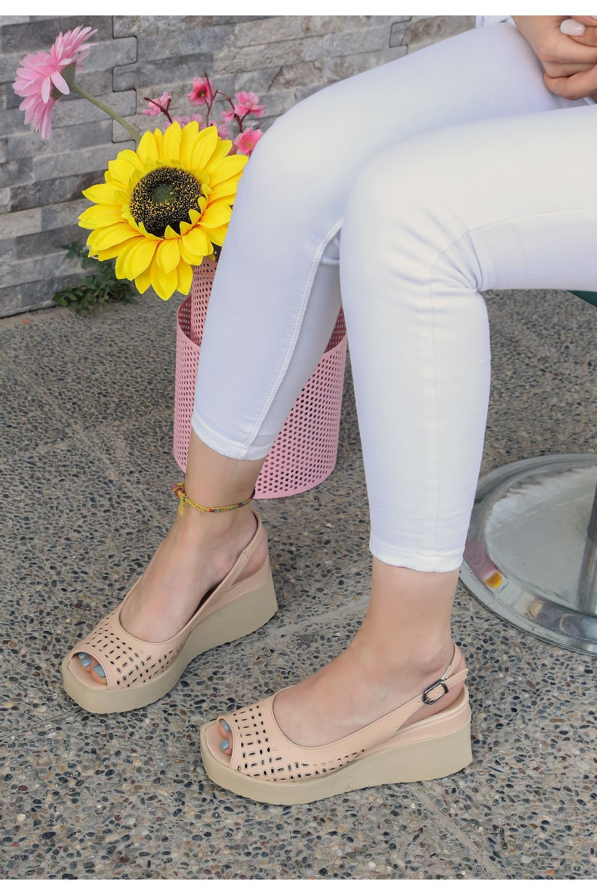 Pert Vizon Cilt Dolgu Topuk Ayakkabı
